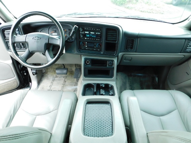 2003 Chevrolet Tahoe LT Z71  / Sport Utility / 4WD / Leather/ Sunroof - Photo 35 - Portland, OR 97217