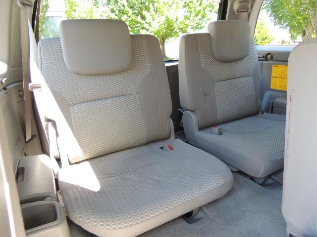 2006 Toyota 4Runner V6 4.0L / 4X4 / DIFF LOCK / 3RD SEATS / 1-OWNER - Photo 16 - Portland, OR 97217