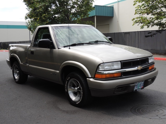 2000 Chevrolet S-10 LS / 2WD / 4Cyl / Automatic / Excel Cond