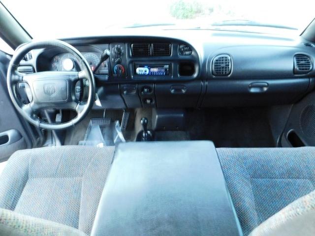 2002 Dodge Ram 2500 SLT Plus 4dr / 4X4 / 5.9L Cummins Diesel / LIFTED - Photo 18 - Portland, OR 97217