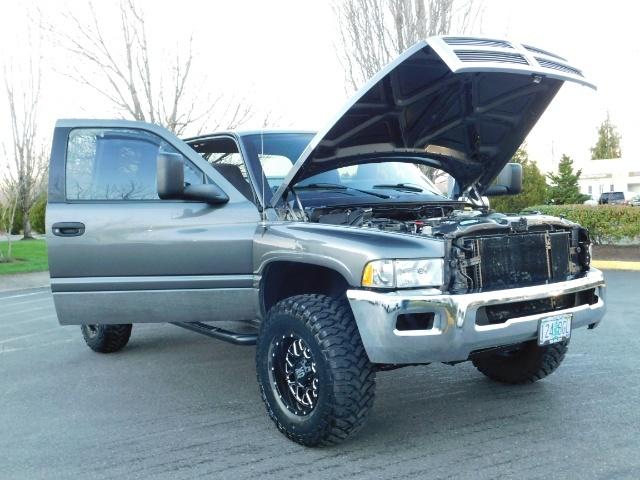 2002 Dodge Ram 2500 SLT Plus 4dr / 4X4 / 5.9L Cummins Diesel / LIFTED - Photo 28 - Portland, OR 97217