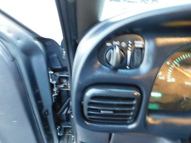 2002 Dodge Ram 2500 SLT Plus 4dr / 4X4 / 5.9L Cummins Diesel / LIFTED - Photo 35 - Portland, OR 97217