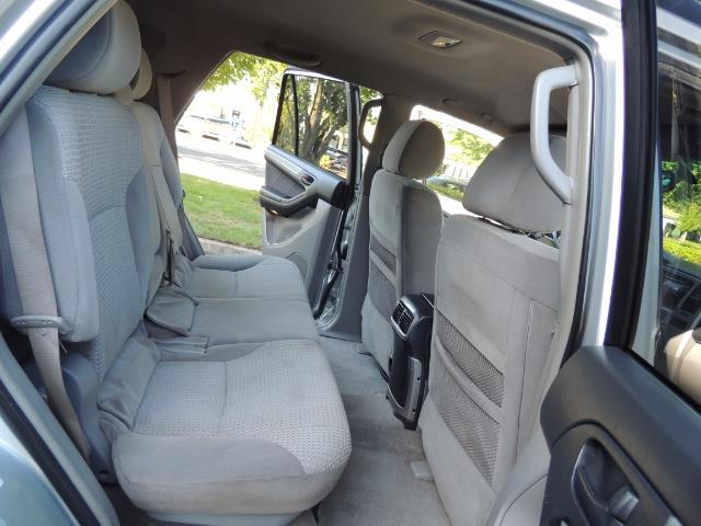"""2004 Toyota 4Runner SR5 6Cyl 4WD 2-Owner Third Row Seats LIFTED 33 """"Mud - Photo 17 - Portland, OR 97217"""