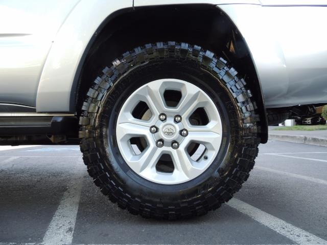 """2004 Toyota 4Runner SR5 6Cyl 4WD 2-Owner Third Row Seats LIFTED 33 """"Mud - Photo 38 - Portland, OR 97217"""