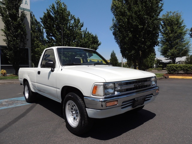 1991 toyota tacoma pickup 4cyl 5 speed manual sr5 2wd rh mminvestmentcars com 1992 toyota pickup manual 1991 toyota pickup manual locking hubs