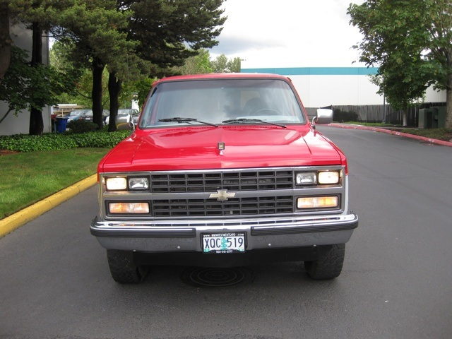 1989 chevrolet suburban 1500 v8 4x4 3rd seat 8 passenger. Black Bedroom Furniture Sets. Home Design Ideas