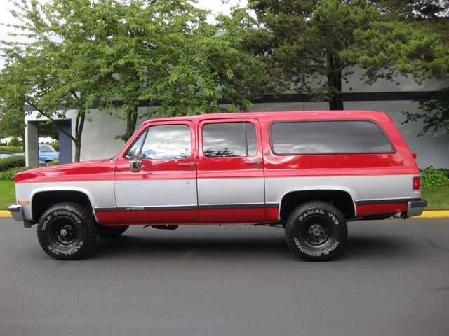1989 Chevrolet Suburban 1500 V8 4x4 3rd Seat 8 Penger Photo 2 Portland