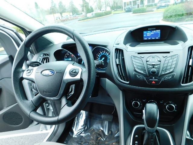 2013 Ford Escape SE / Sport Utility / 4Cyl 2.0 Liter / AWD / Excel - Photo 18 - Portland, OR 97217