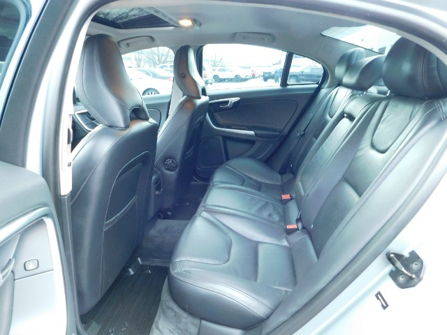 2013 Volvo S60 T5 Premier / AWD / Leather / Heated seats / 44K mi - Photo 15 - Portland, OR 97217