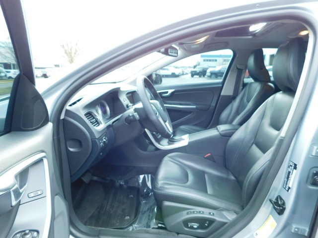 2013 Volvo S60 T5 Premier / AWD / Leather / Heated seats / 44K mi - Photo 14 - Portland, OR 97217