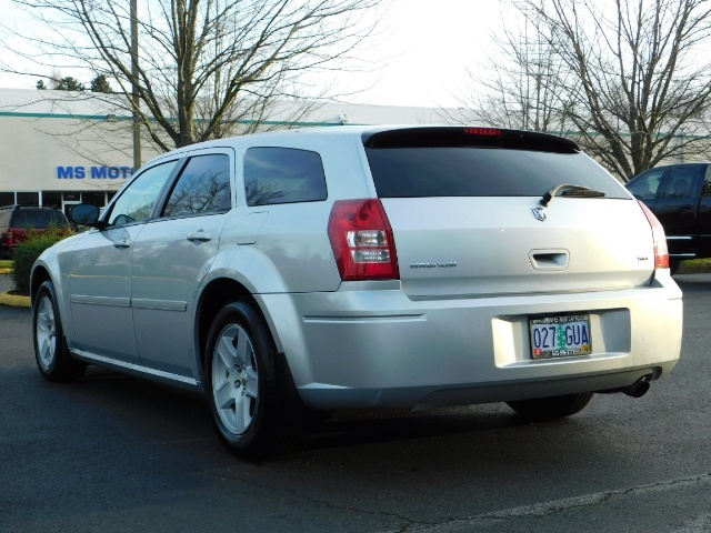 2005 Dodge Magnum SXT / Wagon / Leather / New Tires / Excel Cond - Photo 7 - Portland, OR 97217