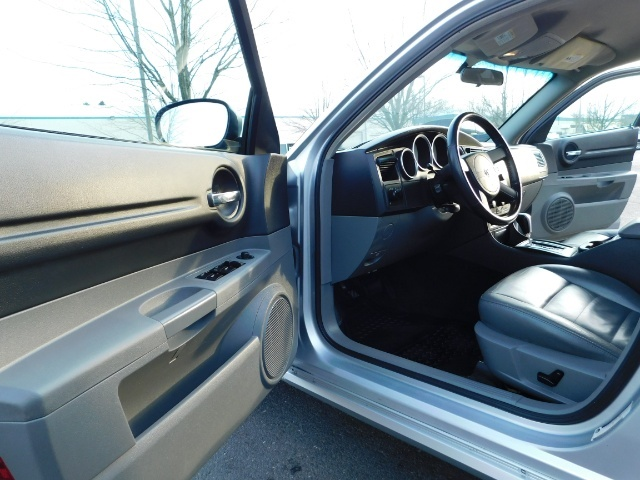 2005 Dodge Magnum SXT / Wagon / Leather / New Tires / Excel Cond - Photo 13 - Portland, OR 97217