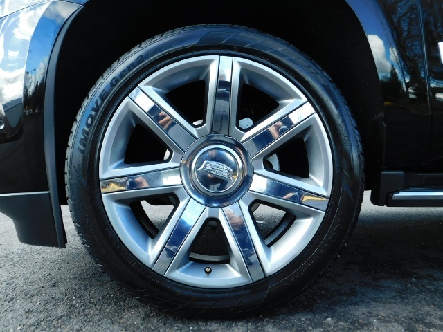 2017 Cadillac Escalade ESV / AWD / PURE LUXURY / LWB / FULL WARRANTY - Photo 32 - Portland, OR 97217