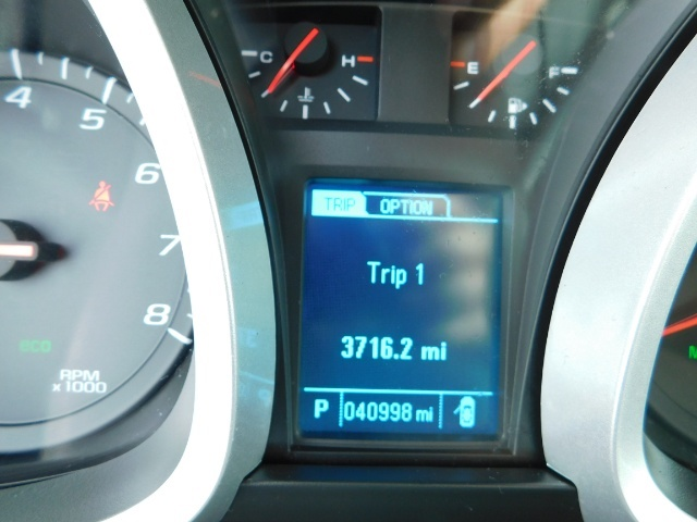 2013 Chevrolet Equinox LT / Sport Utility / AWD / Backup Camera / Low Mil - Photo 38 - Portland, OR 97217