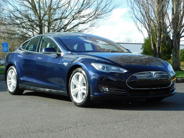 2015 Tesla Model S 85D / Sedan / AWD / Auto Pilot / ONLY 5000 MILES - Photo 2 - Portland, OR 97217