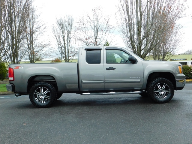 2007 GMC Sierra 1500 SLE 4dr Extended Cab / 4X4 / Z71 OFF RD /Excel Con - Photo 4 - Portland, OR 97217