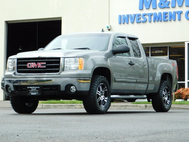 2007 GMC Sierra 1500 SLE 4dr Extended Cab / 4X4 / Z71 OFF RD /Excel Con - Photo 1 - Portland, OR 97217
