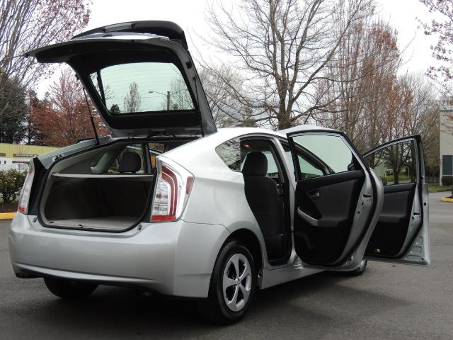 2013 Toyota Prius Two  / HatchBack / Only 37K Miles - Photo 29 - Portland, OR 97217