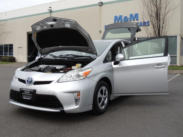 2013 Toyota Prius Two  / HatchBack / Only 37K Miles - Photo 25 - Portland, OR 97217