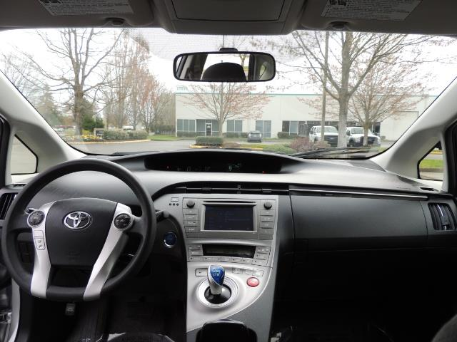 2013 Toyota Prius Two  / HatchBack / Only 37K Miles - Photo 21 - Portland, OR 97217