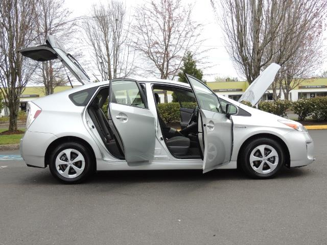 2013 Toyota Prius Two  / HatchBack / Only 37K Miles - Photo 30 - Portland, OR 97217