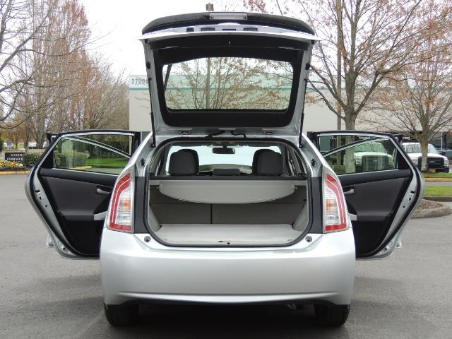 2013 Toyota Prius Two  / HatchBack / Only 37K Miles - Photo 23 - Portland, OR 97217