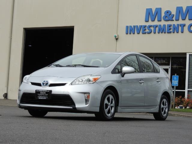 2013 Toyota Prius Two  / HatchBack / Only 37K Miles - Photo 44 - Portland, OR 97217