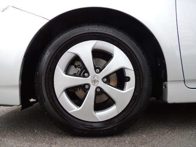 2013 Toyota Prius Two  / HatchBack / Only 37K Miles - Photo 42 - Portland, OR 97217