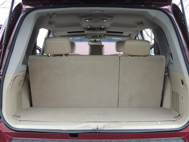 2011 Nissan Armada SL / Leather / Third seat / Bckup cam / 65K MILES - Photo 17 - Portland, OR 97217
