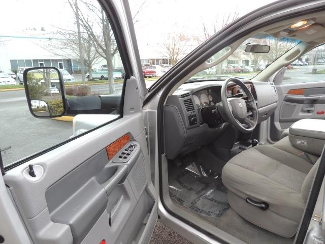 2006 Dodge Ram 2500 SLT / 4X4 / 5.9L Cummins Diesel / HIGH OUTPUT - Photo 13 - Portland, OR 97217