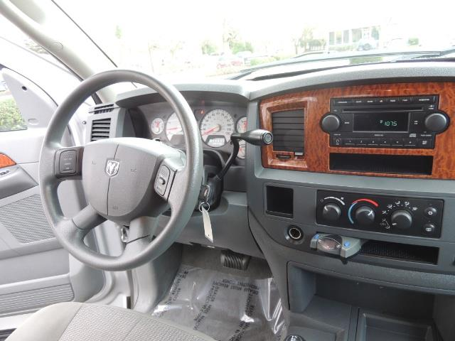 2006 Dodge Ram 2500 SLT / 4X4 / 5.9L Cummins Diesel / HIGH OUTPUT - Photo 18 - Portland, OR 97217