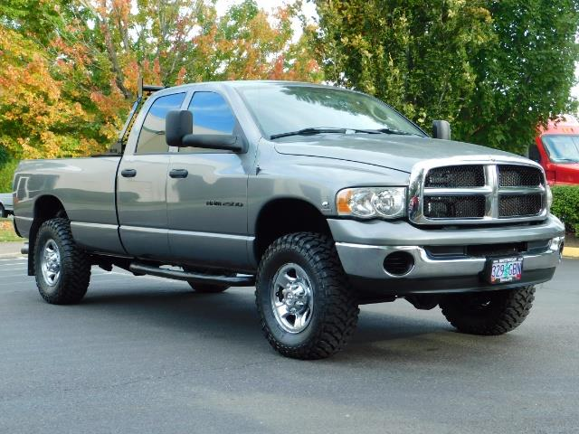 2005 Dodge Ram 2500 SLT 4dr / 4X4 / 5.9L DIESEL / 6-SPEED / JAKE BRAKE - Photo 2 - Portland, OR 97217