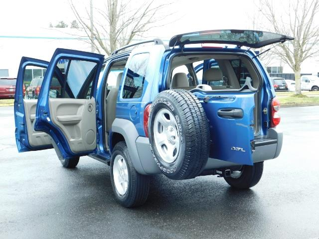 2005 Jeep Liberty Sport 4WD 126K Miles 6Cyl Moon roof Brand NewTires - Photo 26 - Portland, OR 97217