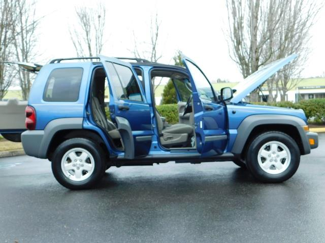 2005 Jeep Liberty Sport 4WD 126K Miles 6Cyl Moon roof Brand NewTires - Photo 10 - Portland, OR 97217