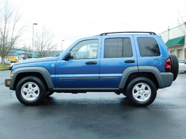 2005 Jeep Liberty Sport 4WD 126K Miles 6Cyl Moon roof Brand NewTires - Photo 4 - Portland, OR 97217