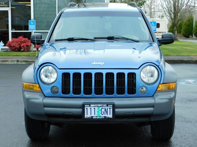 2005 Jeep Liberty Sport 4WD 126K Miles 6Cyl Moon roof Brand NewTires - Photo 5 - Portland, OR 97217