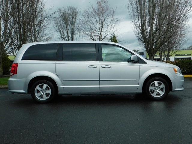 2012 Dodge Grand Caravan Crew Plus 7-Pass Dual Power Sliding Door 109K - Photo 3 - Portland, OR 97217