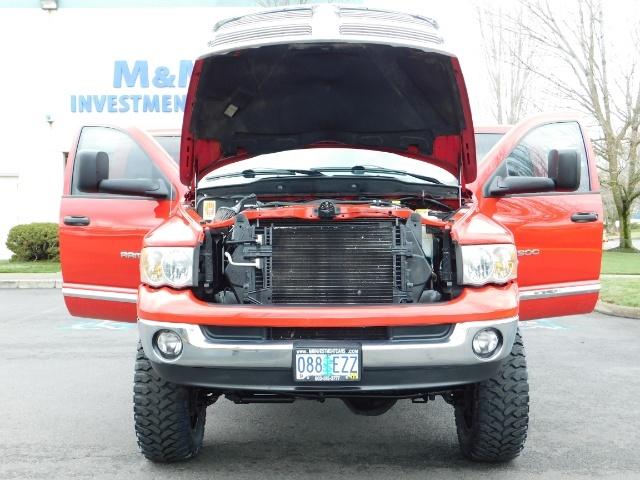 2004 Dodge Ram 2500 Laramie / 4X4 / 5.9L Cummins Diesel / LIFTED LIFTE - Photo 31 - Portland, OR 97217