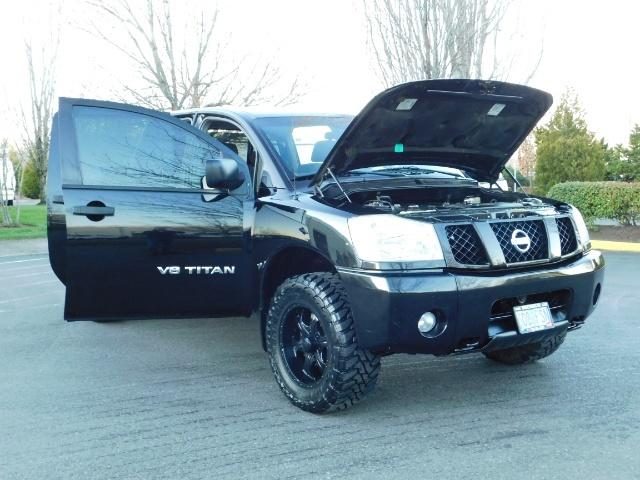 2005 Nissan Titan SE Crew Cab V8 / 4X4 OFF ROAD / CUSTOM EXHAUST - Photo 28 - Portland, OR 97217
