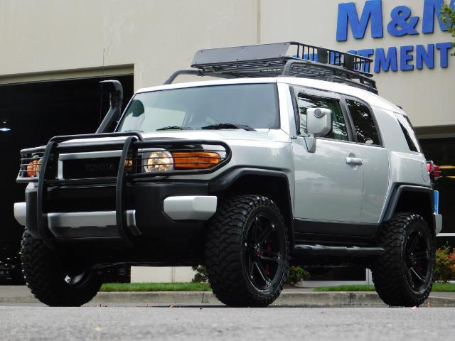 "2007 Toyota FJ Cruiser 4WD V6 DIFF LOCK 20 "" WHEELS LIFTED - Photo 1 - Portland, OR 97217"