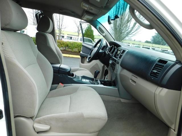 "2004 Toyota 4Runner SR5 SPORT 4X4 6CYL 3RD ROW SEAT LIFTED 33 "" MUD - Photo 19 - Portland, OR 97217"