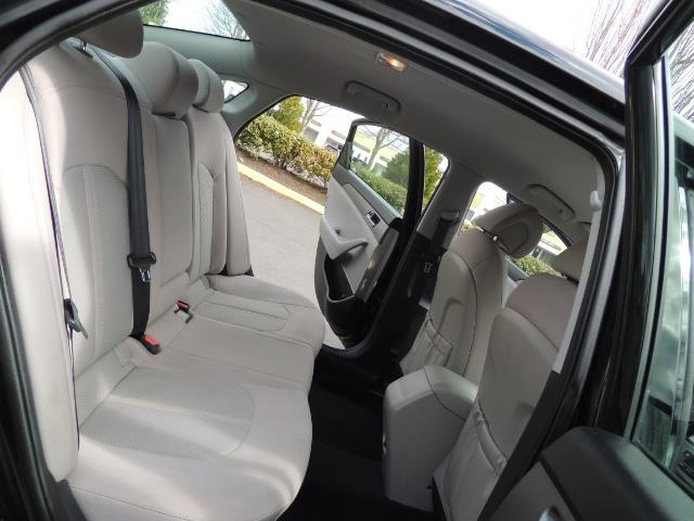 2016 Hyundai Sonata SE / Sedan / Back up camera / Factory Warranty - Photo 14 - Portland, OR 97217