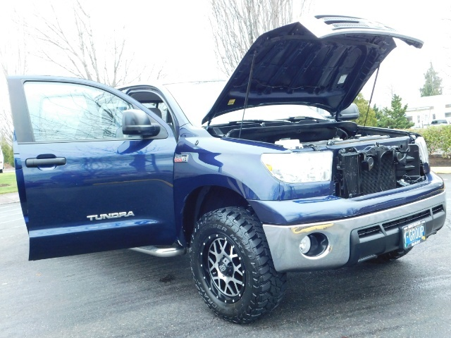 2010 Toyota Tundra Double Cab / 4WD / 5.7L / TRD OFF ROAD  Package - Photo 25 - Portland, OR 97217