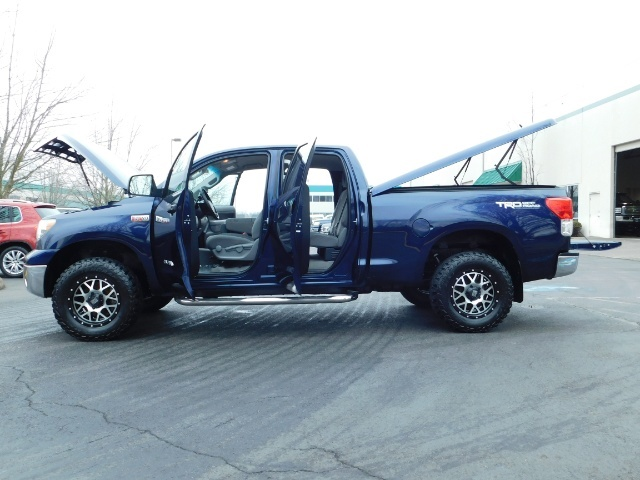 2010 Toyota Tundra Double Cab / 4WD / 5.7L / TRD OFF ROAD  Package - Photo 17 - Portland, OR 97217