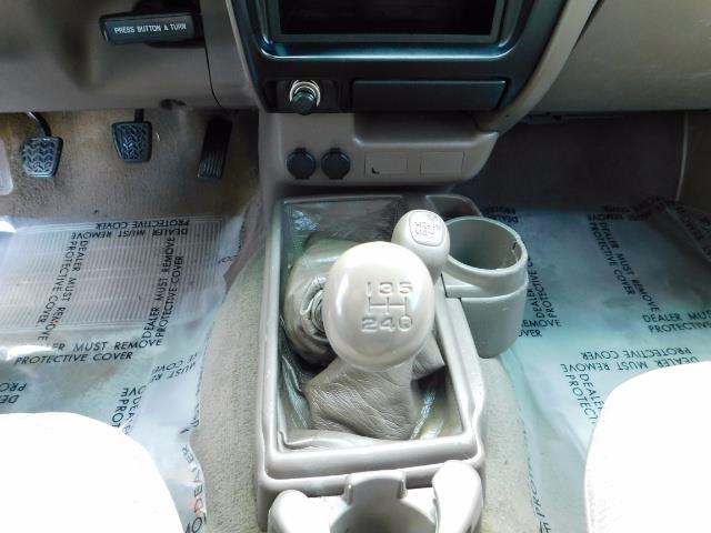 2001 Toyota Tacoma 2dr Standard Cab / 4X4 / 5 Speed Manual / LIFTED ! - Photo 20 - Portland, OR 97217