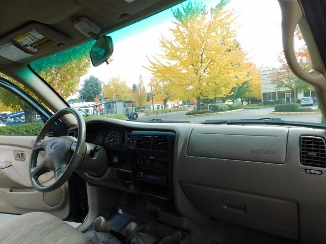 2001 Toyota Tacoma 2dr Standard Cab / 4X4 / 5 Speed Manual / LIFTED ! - Photo 18 - Portland, OR 97217