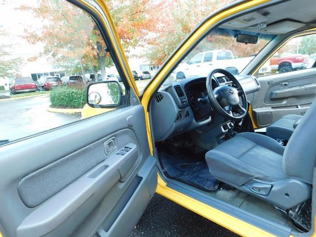 2001 Nissan Frontier XE 4-dr / OFF ROAD 4X4 / Crew Cab / V6 / MANUAL !! - Photo 13 - Portland, OR 97217