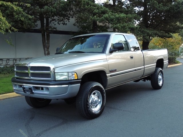 2002 dodge ram 2500 slt 4x4 5 9l diesel 6 speed 1 owner. Black Bedroom Furniture Sets. Home Design Ideas