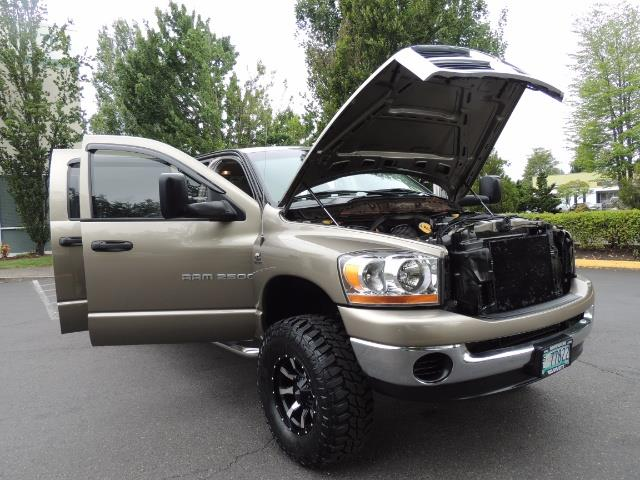 2006 Dodge Ram 2500 SLT SLT 4dr Mega Cab / 4X4 / 5.9L CUMMINS DIESEL - Photo 30 - Portland, OR 97217