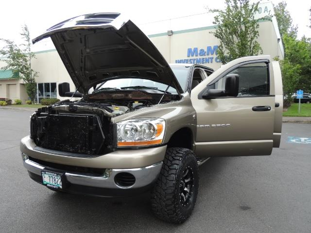 2006 Dodge Ram 2500 SLT SLT 4dr Mega Cab / 4X4 / 5.9L CUMMINS DIESEL - Photo 25 - Portland, OR 97217